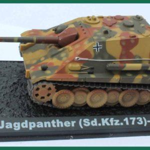 Tank Jagdpanther (Sd.Kfz.173) 1944. Plastový model 1:72.