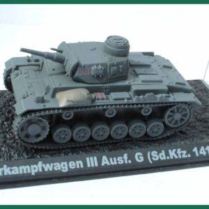 Tank Panzerkampfwagen III Ausf. G (Sd.Kfz.141) – 1941. Plastový model 1:72.